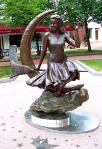 bewitched%20statue1