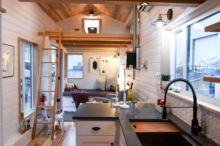 Kootenay_Tiny_House_On_Wheels_By_Tru_Form_Tiny_Homes_1024x1024
